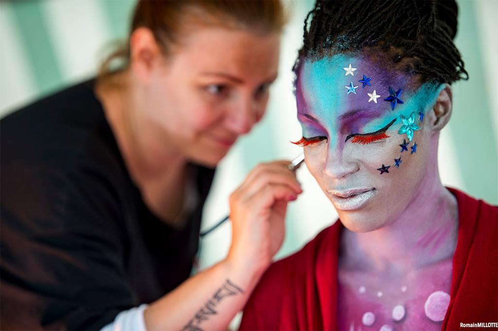 body painting peinture corporelle hiver univers planètes maquilleuse professionnelle lyon Face painting RBF2016 maquillage visage rencontre bodypainting france comète galaxie